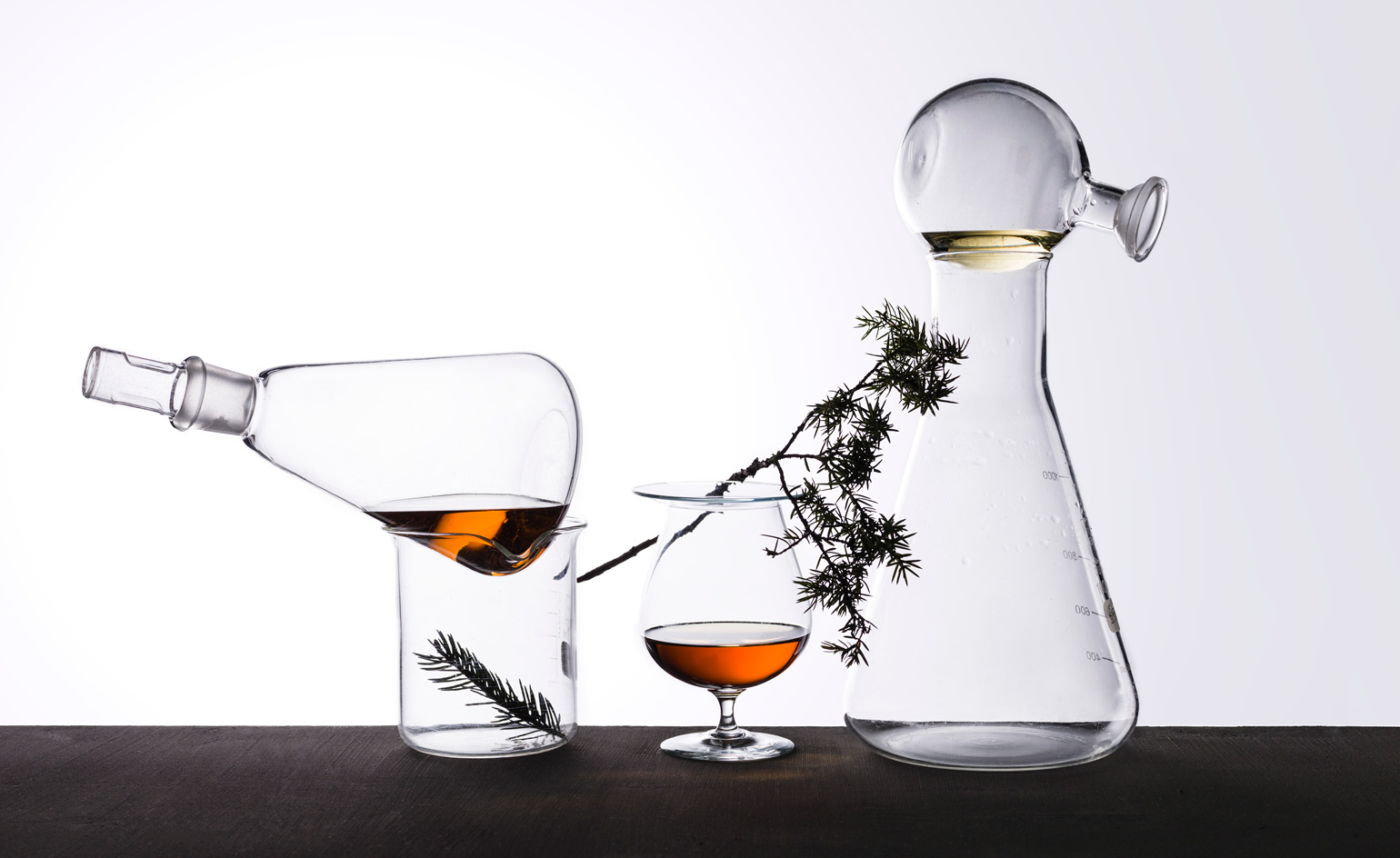 Find the best cocktail set and tools to prepare delicious drinks like a pro